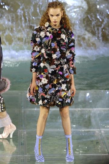 Estella Boersma Couture show Fendi Fall 2016 at the Trevi Fountain Rome