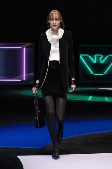 Anna-Sophia Evers for Emporio Armani Fall 2021 Ready-to-wear
