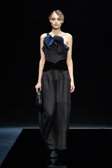 Anna-Sophia Evers for Giorgio Armani Fall 2021 Ready-to-wear
