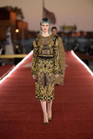 Liselotte Clearhoudt for Dolce &Gabbana Alta Moda show Fall 2021 in Venice